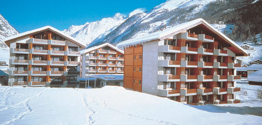 Switzerland_Zermatt_Ambassador-suites_exterior-winter.jpg